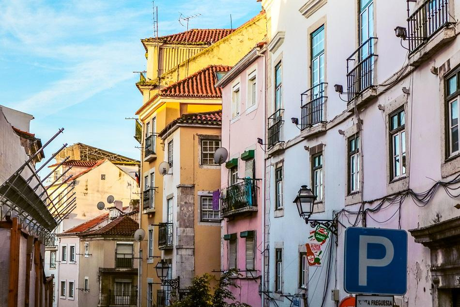 Alfama Lisbon - free things to do in Lisbon