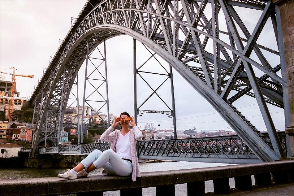 Aurelia Teslaru at Porto Bridge