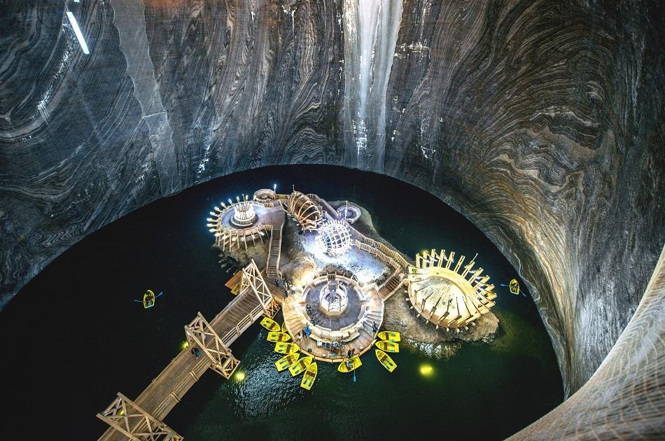 Turda Salt mine inside lake
