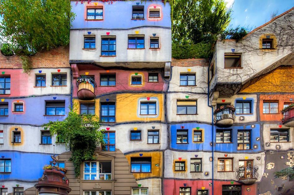 Hundertwasserhaus colorful house vienna