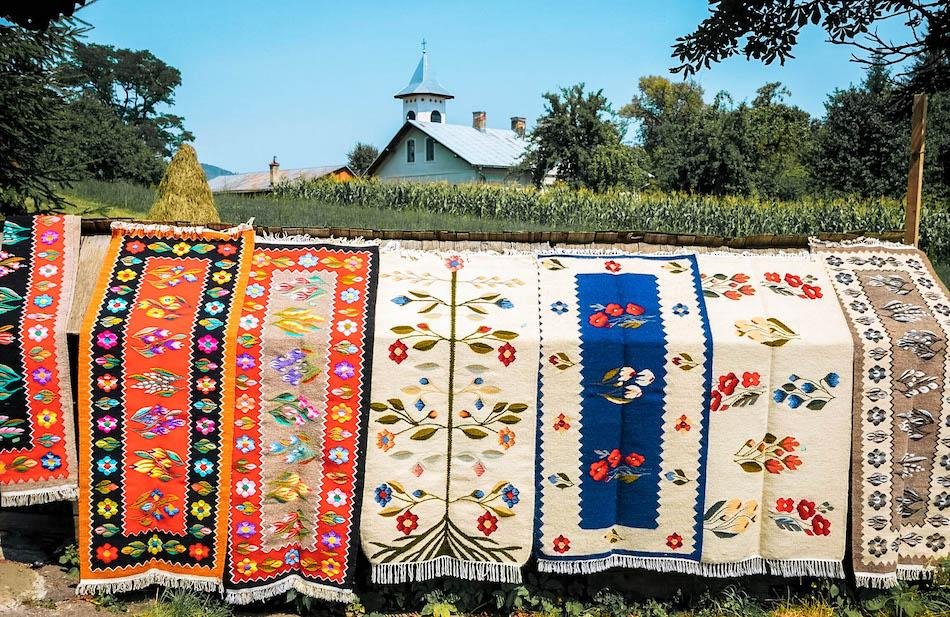 Traditional romanian carpets from Oltenia, romanian souvenirs, things to buy from romania