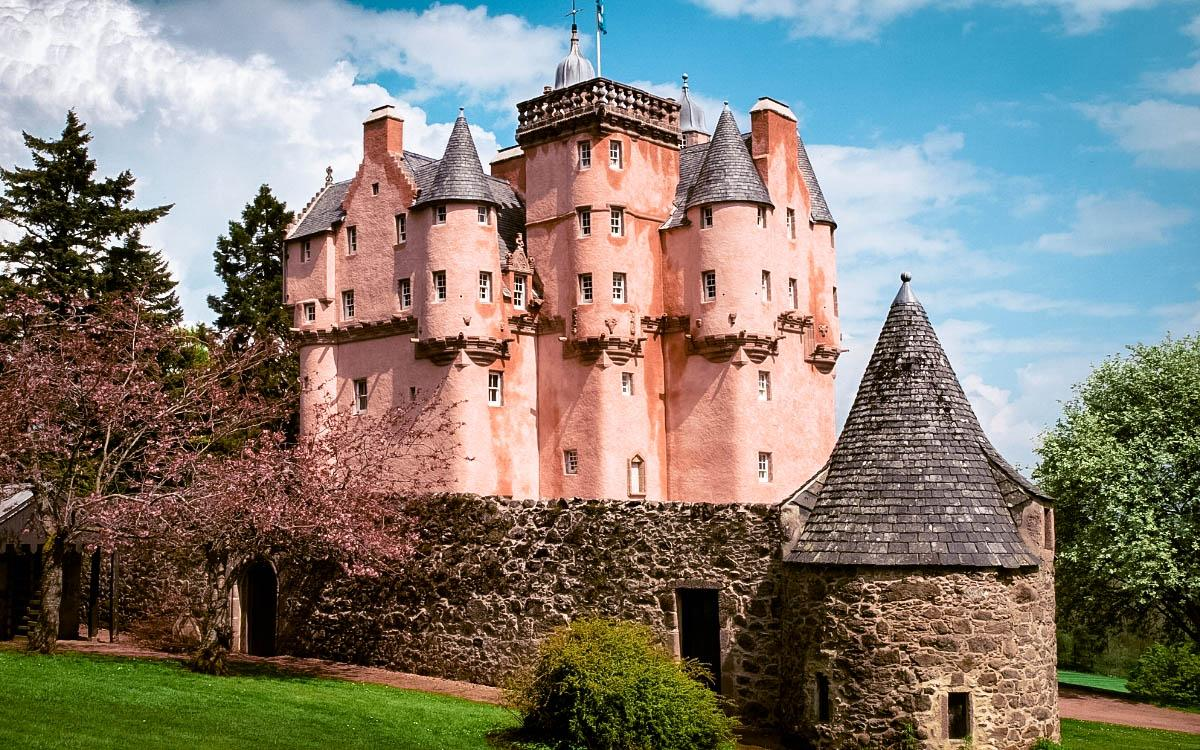 Craigievar Pink Castle in Scotland - unique castles in Europe, top castle in Europe, most beautiful castles