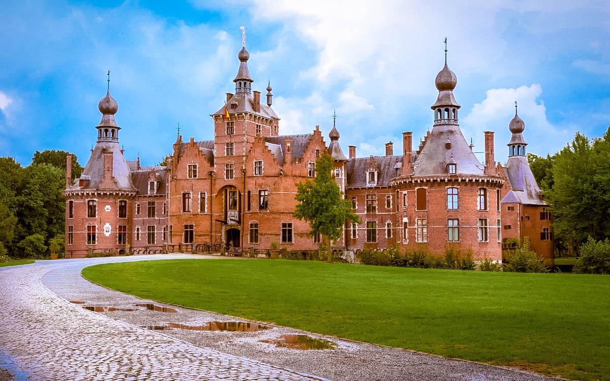 Ooidonk Castle, Belgium - the most beautiful castles in Europe, fairytale castles in Europe, top castles in Europe, must-visit castles in Europe. unique castles in Europe.