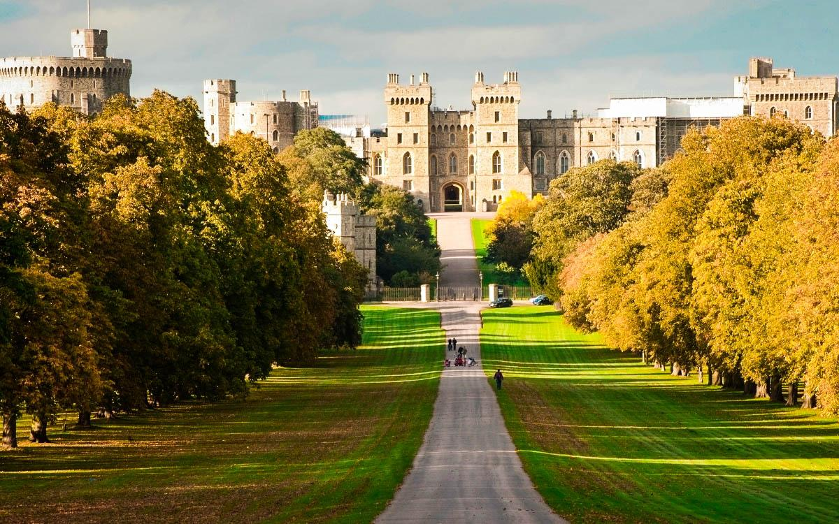 Windsor Castle, England - the most beautiful castles in Europe, fairytale castles in Europe, top castles in Europe, must-visit castles in Europe. unique castles in Europe