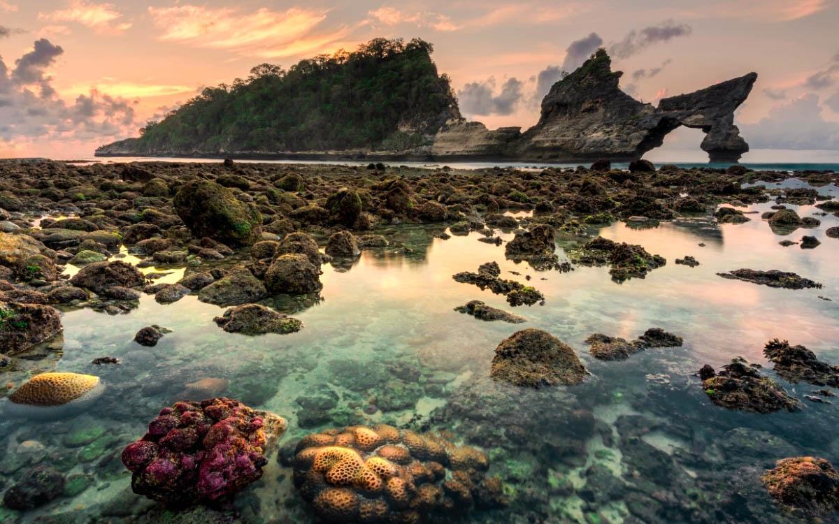 sunset at atuh beach nusa penida