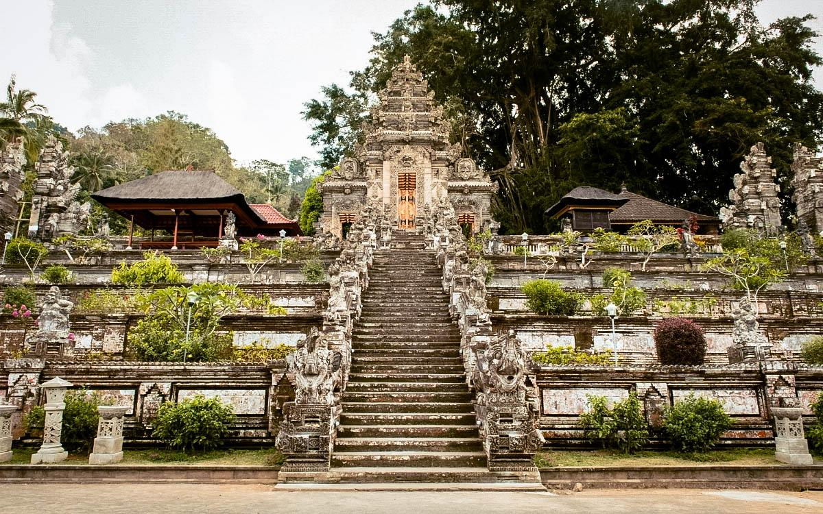 best temples in bali, best balinese temples, beautiful temples in bali, top balinese temples, top temples in bali, sacred temples bali, unique temples bali, popular temples bali, famous temples in bali