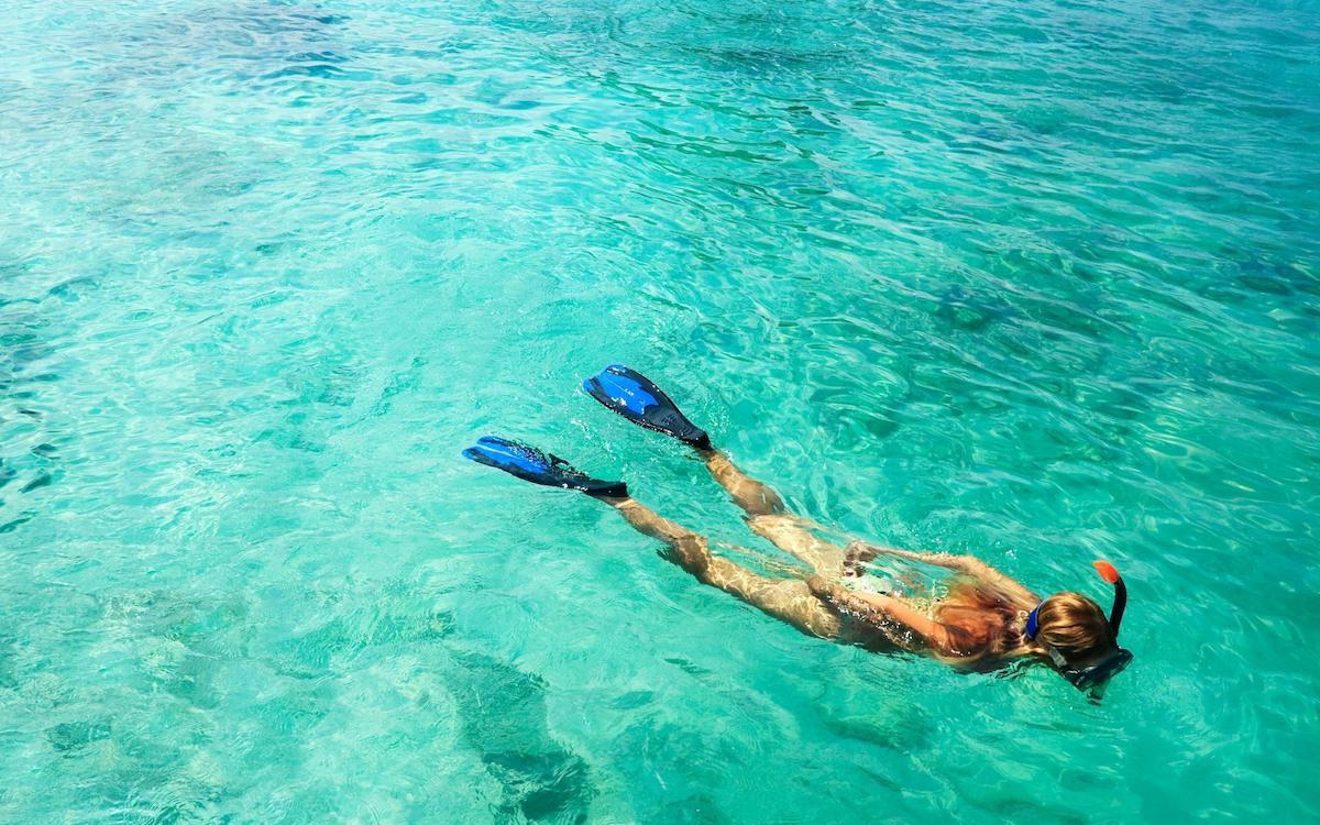 snorkeling at crystal bay beach nusa penida, crystal bay beach bali, crystal bay penida