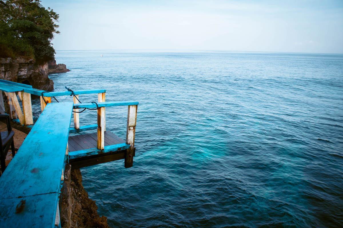 Things to do Nusa Ceningan, Nusa Ceningan tourist attraction, places to see nusa ceningan, mahana point jumping platform