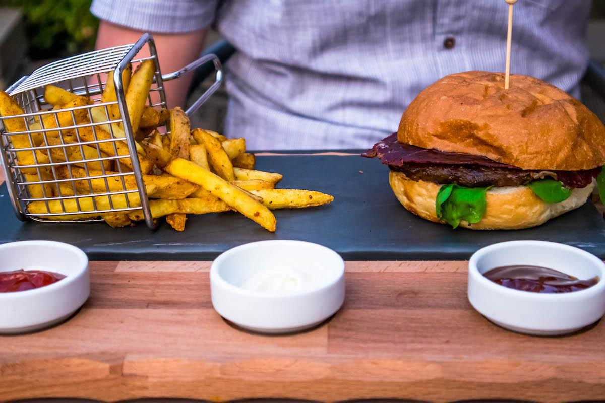Ng Phaselis Bay Hotel Antalya burger restaurant