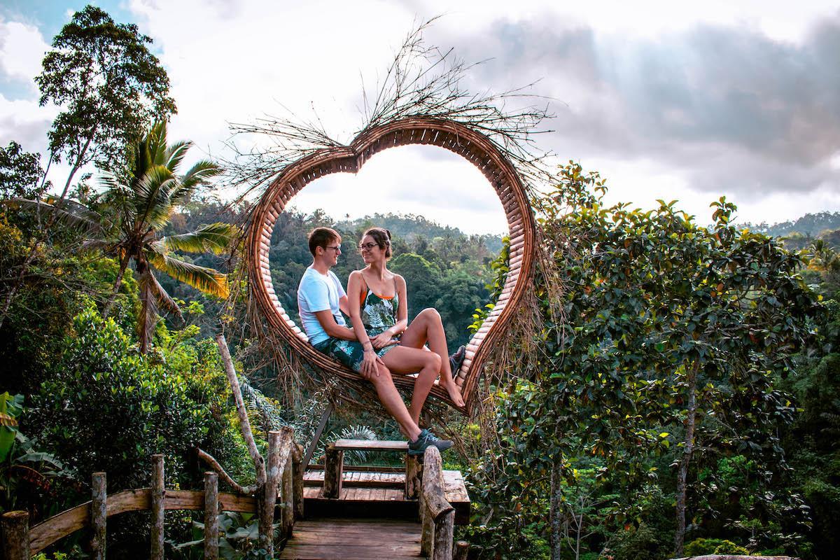 Leke Leke Waterfall Bali nest