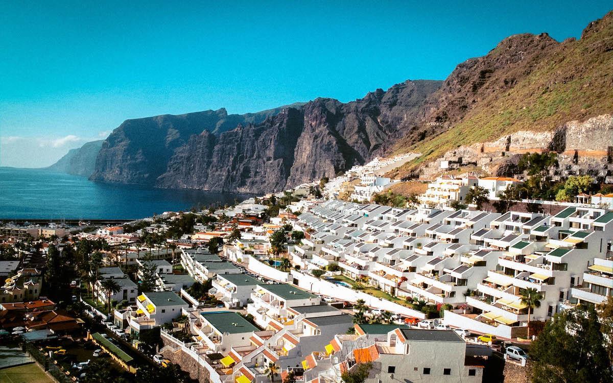 Los Gigantes resort town homes Tenerife